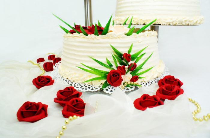 Tort weselny piętrowy